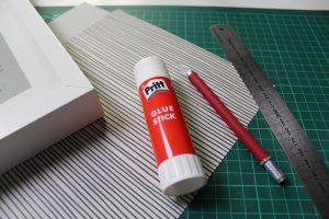 Papierflieger Scherenschnitt Material