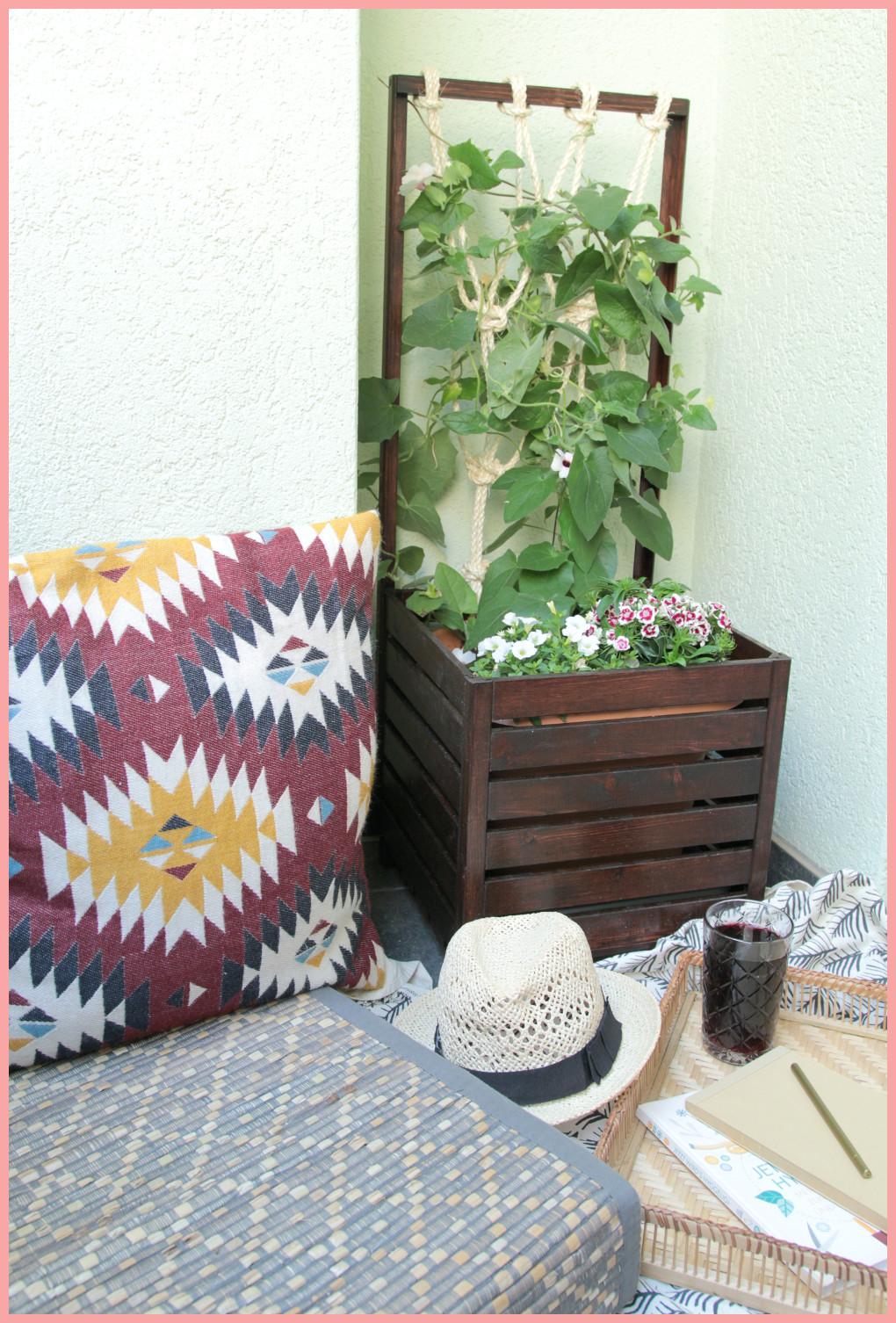 DIY Blumenkasten selber bauen mit Rankhilfe