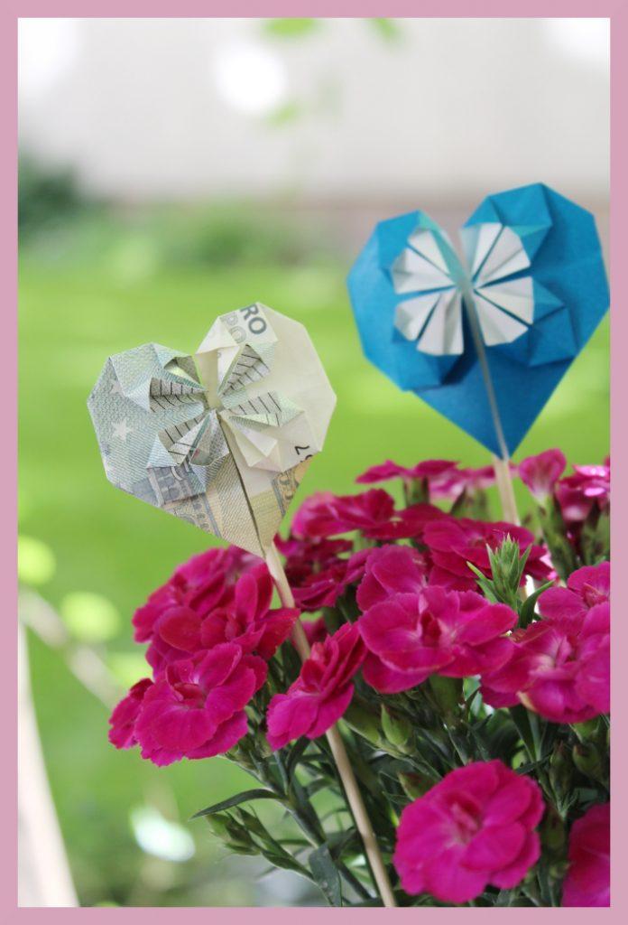 Origami Herzen aus Geldschein im Blumentopf