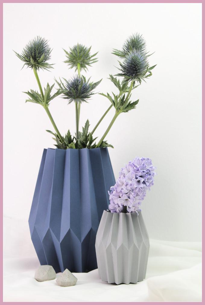 Kleine und grosse Vase aus Papier falten mit frau friemel