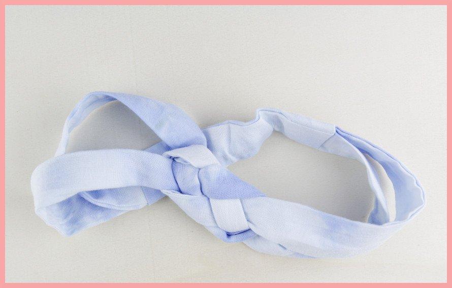 Knoten Stirnband selbermachen mit frau friemel - fertig