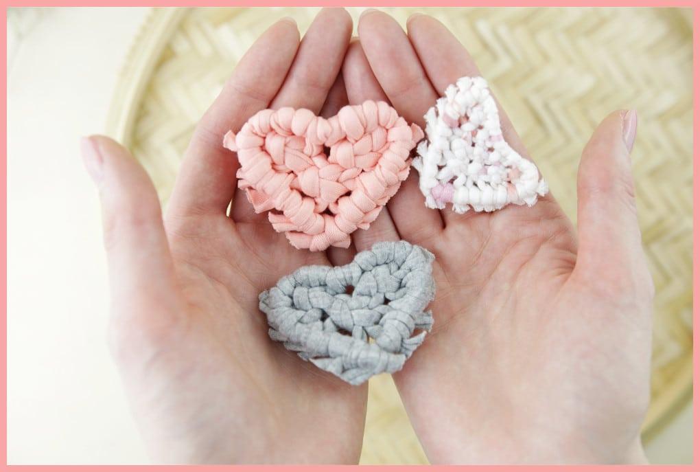 Brosche selber machen - kleine Geschenkidee für den Valentinstag