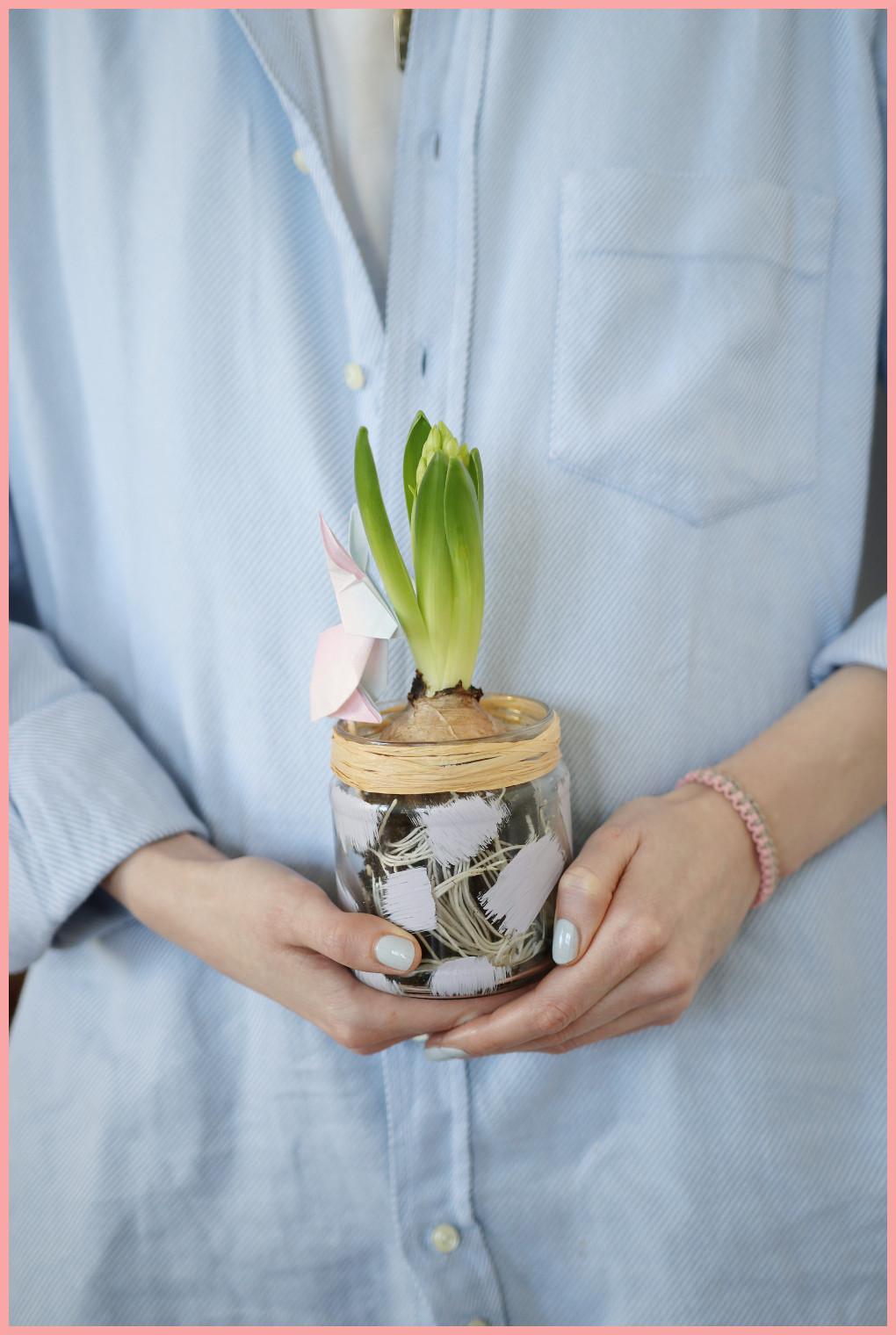 Origami Hase als Pflanzenstecker